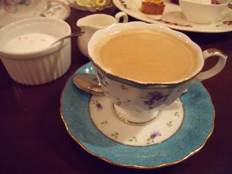 コーヒーを飲んでごちそうさま