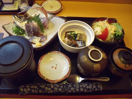 鯵刺と秋刀魚の佃煮定食