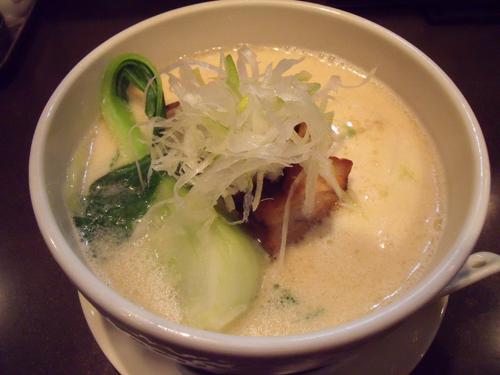 角煮白湯麺