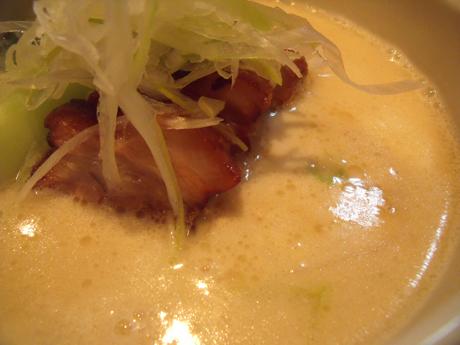 この乳化したスープがいいんだよね