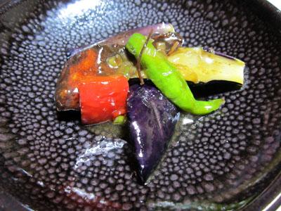 秋ナスと鮭竜田の香味ソース