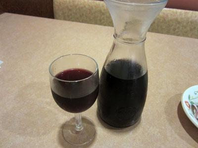 赤ワインのデカンタ